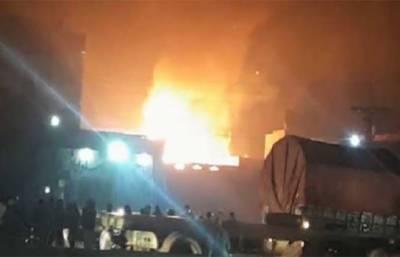 لاہور: فیکٹری میں آگ لگنے سے ہلاکتوں کی تعداد 12ہو گئی ، متعدد زخمی