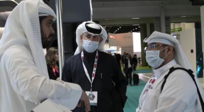 متحدہ عرب امارات کی ریاست دبئی میں مقیم شہریوں نے کرونا وائرس سے محفوظ رہنے کے لیے حفاظتی ماسک خریدنا شروع کردیے