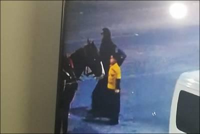 کراچی:برقع پوش خاتون نے پارک سے ڈیڑھ سالہ بچے کو اغوا کر لیا