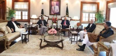 ق لیگ سے مذاکرات سے قبل ایوان وزیر اعلی لاہور میں پی ٹی آئی کی اہم مشاورت
