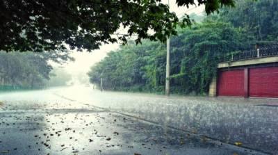 پنجاب کے مختلف علاقوں میں بارش، سردی کی شدت