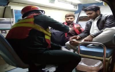 سیالکوٹ: بس اور ڈمپر کی ٹکر سے خاتون سمیت 9 افراد زخمی