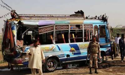 کراچی:شیرشاہ میں بس الٹنے سے 2 افراد جاں بحق،10زخمی