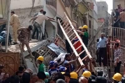 کراچی میں عمارت گرنے سے جاں بحق افراد کی تعداد23ہوگئی، ریسکیو آپریشن جاری