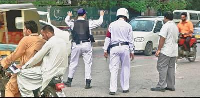 ٹریفک پولیس شہریوں کو ہراساں نہ کرے، سندھ ہائی کورٹ کی ہدایت
