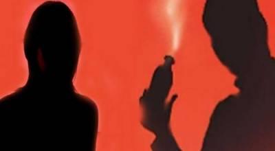 سیالکوٹ: رشتہ نہ دینے کی رنجش پر ملزمان نے لڑکی پر تیزاب پھینک دیا