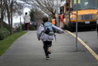 کرونا وائرس نے ساڑھے آٹھ کروڑ طلباء کے لیے تعلیم کے دروازے بند کر دیئے