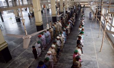 مساجد میں نماز کے اجتماع پر پابندی کی خلاف ورزی کرنے والے کئی پیش امام گرفتار