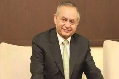 مشیر تجارت عبدالرزاق داؤد کو عہدے سے ہٹا دیا گیا