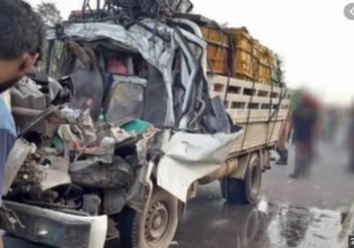شور کوٹ، منی ٹرک کھڑے ٹرالر سے ٹکرا گیا،4 ا فراد جاں بحق