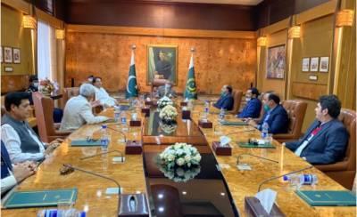 بزنس مینوں اور برآمدکندگان نے ہر دور ملک کی معیشت کی مضبوطی میں اہم کردار ادا کیا۔ صدر عارف علوی