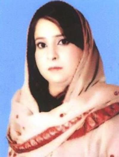 وزیر اعظم عمران خان کی جانب سے اوورسیز پاکستانیوں سے مالی امداد کی اپیل بچگانہ حرکت ہے. سمیرا کومل