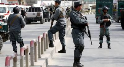 افغانستان کے دارالحکومت کابل کے علاقے چہار آسیاب میں آج ایک خودکش دھماکے میں تین افراد ہلاک اور پندرہ زخمی ہوگئے