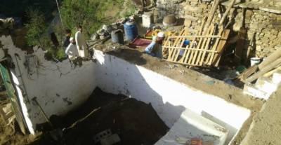 لوئر دیر :بوسیدہ مکان کی چھت گر گئی ، باپ اور2بچیاں جاں بحق