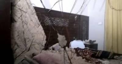 کراچی،عمارت کی چھت کا پلستر گرنے سے میاں،بیوی اور بچہ جاں بحق