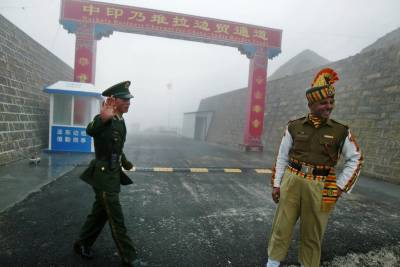 چین نے انڈیا کو سکم بارڈر پرفوجی چھیڑ چھاڑ سے خبردار کردیا۔