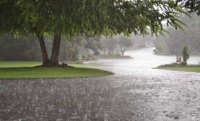 لاہور سمیت ملک کے مختلف حصوں میں بارش، موسم خوشگوار