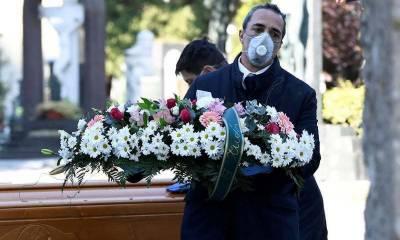 کورونا کو امریکی افواہ قرار دینے والا شخص خود وائرس سے جاں بحق