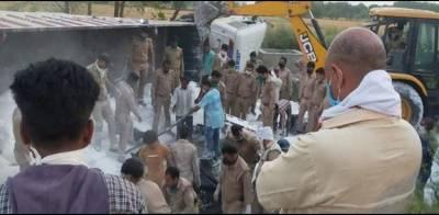 بھارتی ریاست اتر پردیش میں ٹریفک حادثہ، 24 مزدور ہلاک