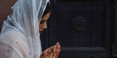 ملک بھر میں عیدالفطر کا دوسرا روز مذہبی جوش و جذبے کے ساتھ منایا جارہا ہے