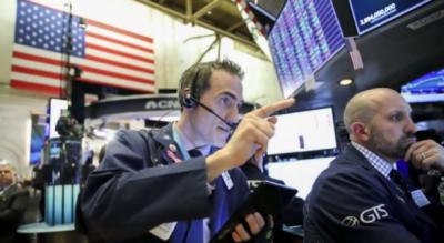 امریکا میں اسٹاک مارکیٹس کھل گئیں, امریکی ڈاؤ جونز میں 500 پوائنٹس کا اضافہ ہوا