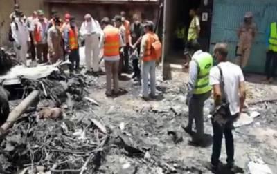 پی آئی اے طیارہ حادثہ: فرانسیسی ٹیم کی وجوہات جاننے کیلئے سر توڑ کوششیں
