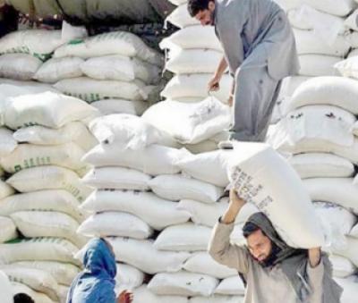 لاہور: پنجاب میں فلور ملز مالکان کا آٹے کی فی کلو قیمت میں 6روپے اضافہ کا اعلان