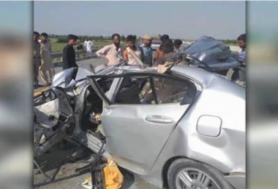 سینیٹر سرفراز بگٹی کے قافلے میں شامل گاڑی کو حادثہ،6 گن مین جاں بحق