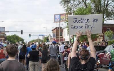 امریکہ میں سیاہ فام شہری کے قتل کے خلاف دنیا بھر میں احتجاجی مظاہرے