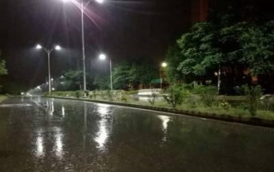 کراچی میں آج رات بوندا باندی کا امکان