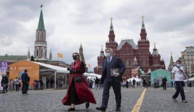 جکارتا اور ماسکو میں لاک ڈاؤن میں نرمی کر دی گئی