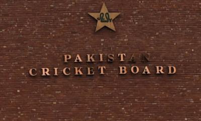 پاکستان کرکٹ بورڈ نے تمام ڈومیسٹک کرکٹرز اور کوچز کے کنٹریکٹ میں ایک ماہ کی توسیع کردی