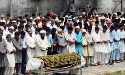 گھوٹکی میں دہشتگردی کے دوران شہید ہونیوالے رینجرز اہلکار فیاض حسین اعزازت کے ساتھ سپر د خاک