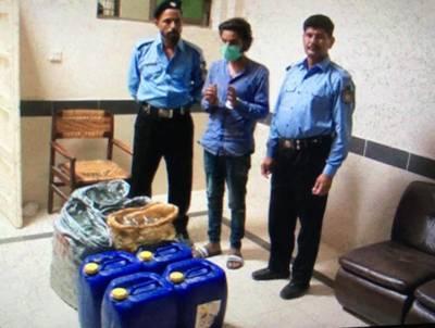 اسلام آباد پولیس کی سیکٹر جی سیون میں کاروائی ،120 لیٹر الکوحل برآمد،ملزم گرفتار
