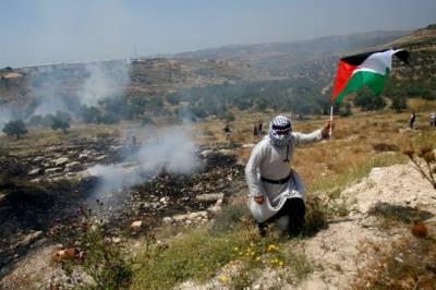 مغربی کنارے میں قابض صہیونی فوجیوں سے جھڑپوں میں 9فلسطینی زخمی