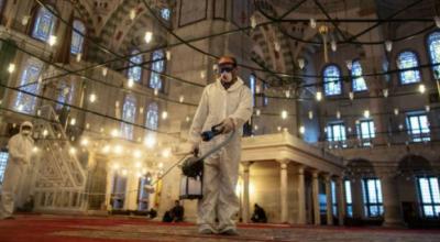 مصر میں مساجد، کلیسا اورریسٹوران ہفتہ سے کھولنے کا فیصلہ