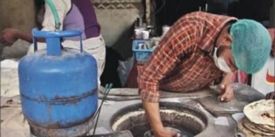 لاہور میں تندور مالکان نے سادہ روٹی کی قیمتیں بڑھا دیں