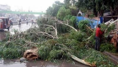 کراچیطوفانی بارش: چھتیں گرنے سے 4 بچوں سمیت 9 افراد جاں بحق