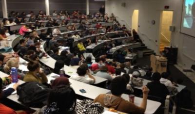 امریکا کا آن لائن پڑھنے والے غیر ملکی طلبہ کو ملک چھوڑنے کا حکم