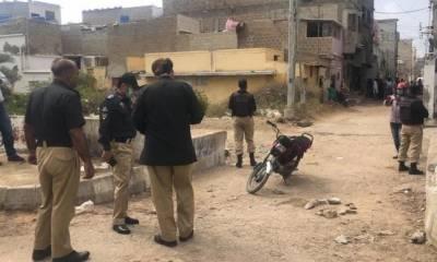 کراچی:دہشتگردوں کے حملے میں پولیس اہلکار شدید زخمی