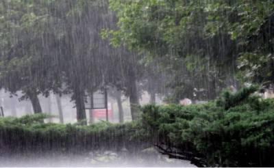 پنجاب کے مختلف علاقوں میں بارش سے گرمی کا زور ٹوٹ گیا