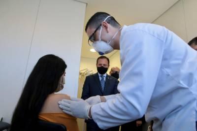 چین میں کورونا مریضوں کی کمی کے باعث برازیل کی لیب میں انسانوں پر ٹرائل کیا جانے لگا