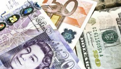 انٹر بینک مارکیٹ میں ڈالر کے مقابلے میں روپے کی قدر بڑھ گئی تاہم یورو مہنگا ہو گیا