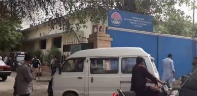 کراچی:ڈرائیونگ لائسنس برانچوں کو دوبارہ محدود پیمانے پر کھولنے کا فیصلہ