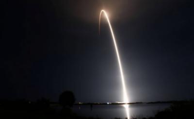 سپیس ایکس کے راکٹ فالکن نے 57مصنوعی سیارے خلا میں پہنچا دیئے