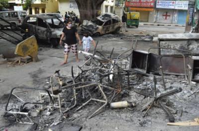 بھارت:متنازعہ سوشل میڈیا پوسٹ پر ہنگامہ آرائی، 3افراد ہلاک،درجنوں زخمی