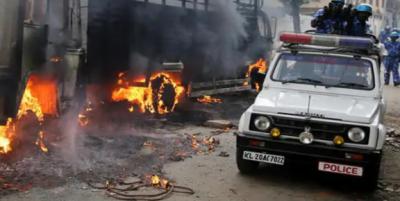 بھارت میں گستاخانہ فیس بک پوسٹ پر مظاہرے، پولیس کی فائرنگ سے 3 افراد جاں بحق