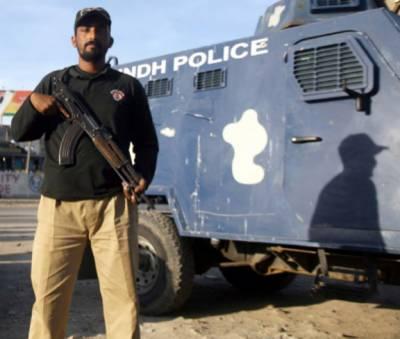 کراچی پولیس کابن قاسم میں گودام پر چھاپہ ، لوٹا گیا 20 ٹن سریا برآمد