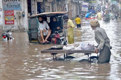 لاہور میں طوفانی بارش نے تباہی مچا دی، ہر طرف پانی ہی پانی