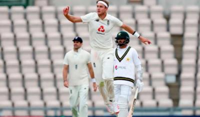 تیسرا ٹیسٹ: انگلینڈ کے خلاف پاکستان ٹیم فالو آن کا شکار